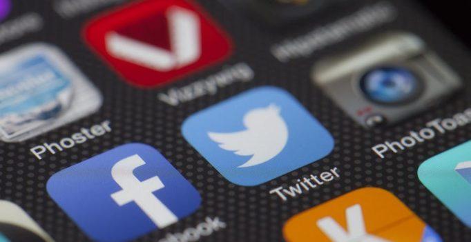 Ikonki social media